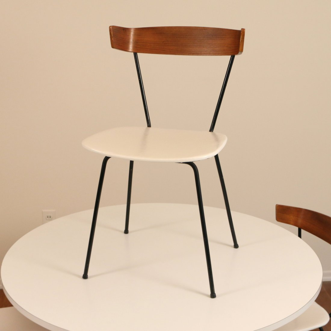 (6pc) MID CENTURY DINETTE TABLE & CHAIRS - 4