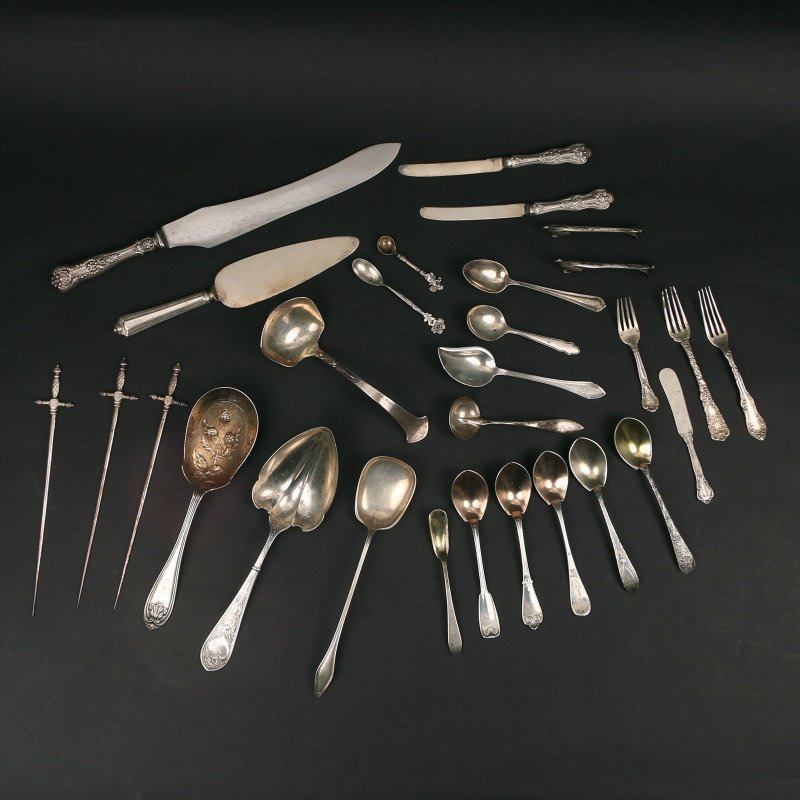 (29pc) MISC. SILVER & PLATED FLATWARE: