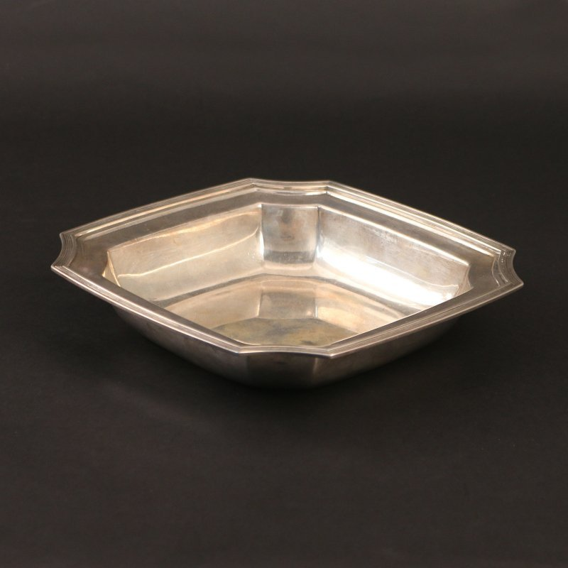 TIFFANY & CO. STERLING SILVER OPEN VEGETABLE DISH