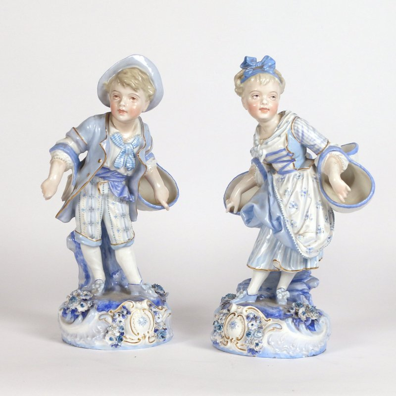 (2pc) BLUE & WHITE PORCELAIN FIGURES