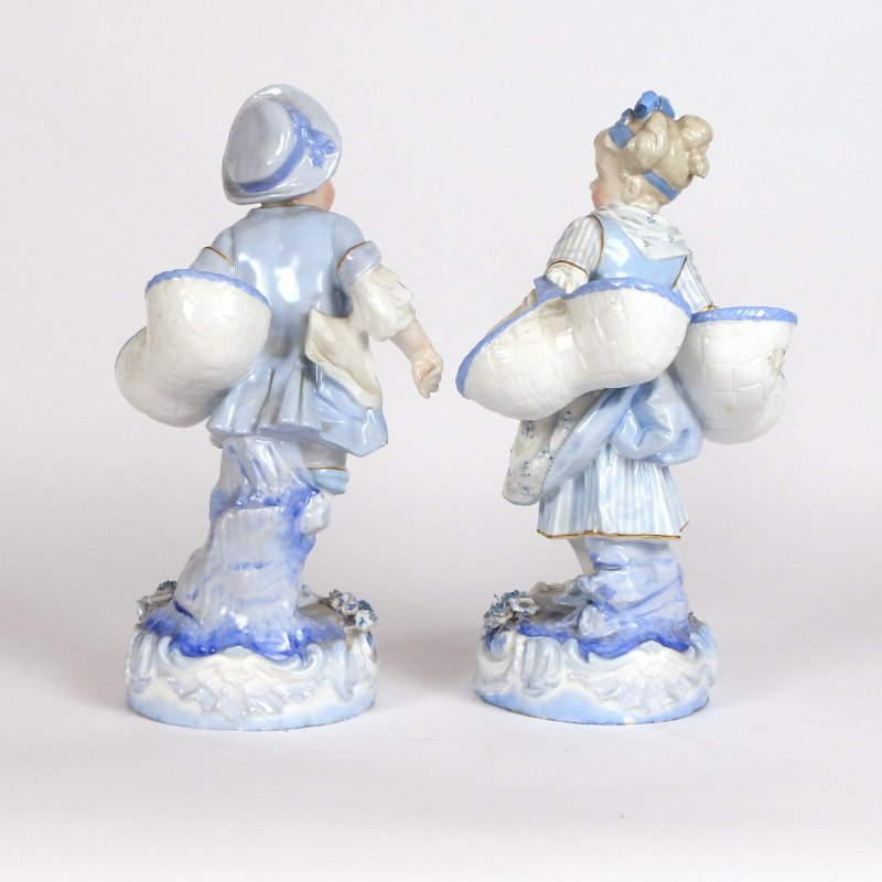 (2pc) BLUE & WHITE PORCELAIN FIGURES - 2
