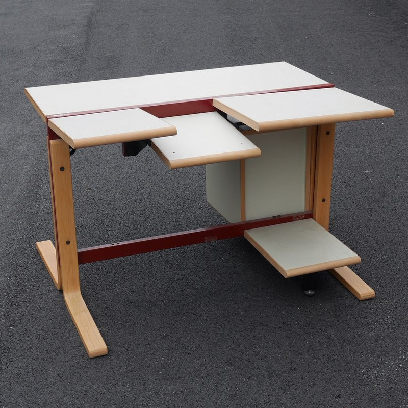 """""""MACTABLE"""" EARLY APPLE COMPUTER TABLE - 3"""