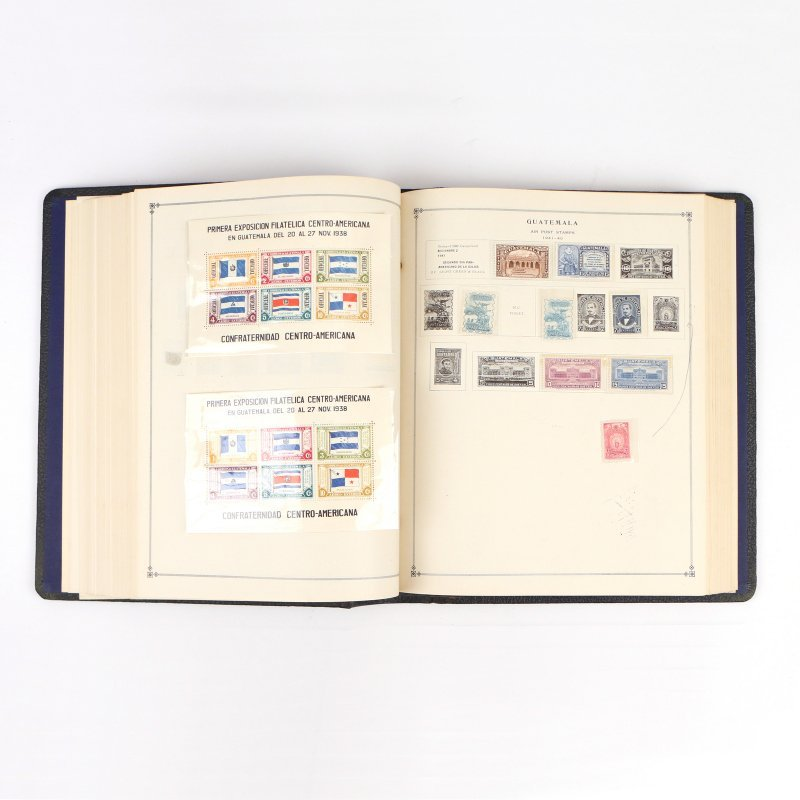 (5pc) INTERNATIONAL POSTAGE STAMP ALBUMS - 8