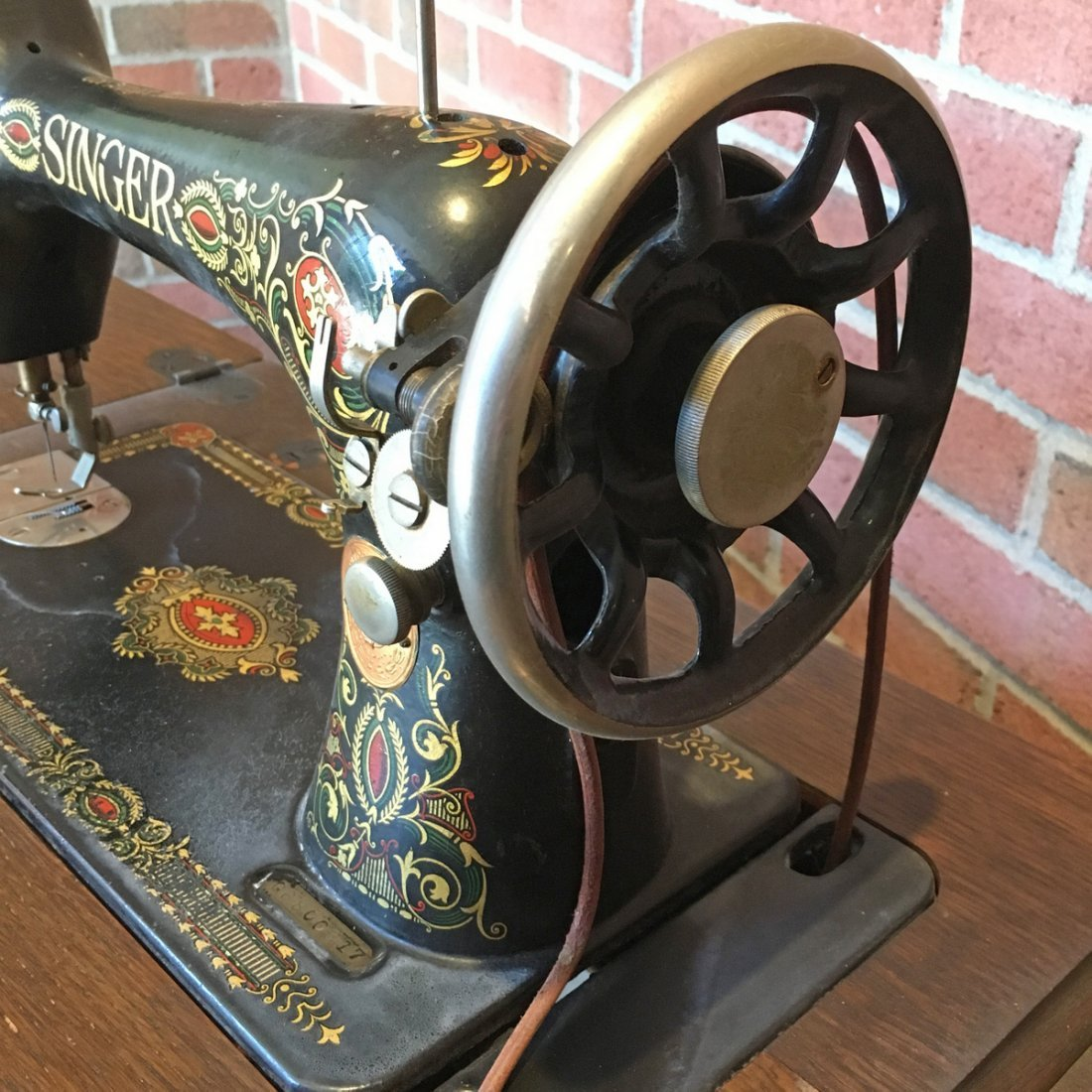 SINGER SEWING MACHINE TABLE - 4