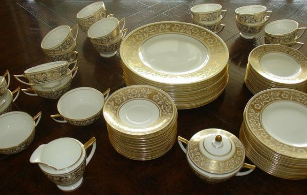 "311: MINTON CHINA SRV. FOR 12, 5 PC. PL., ""HARMONY"" PA"