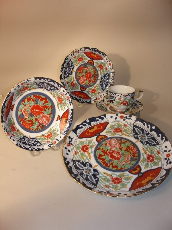 "315: GUMPS ""IMARI"" PATTERN CHINA, SRV. FOR 8, 5 PC. PL"