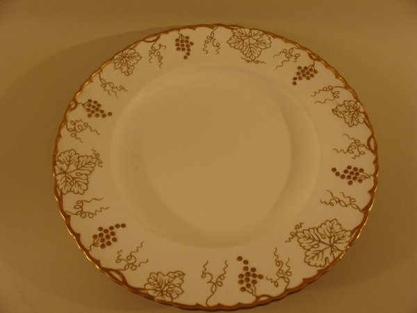 "320: ROYAL CROWN DERBY RND. CAKE PLATE, DIA. 14"", WHIT"
