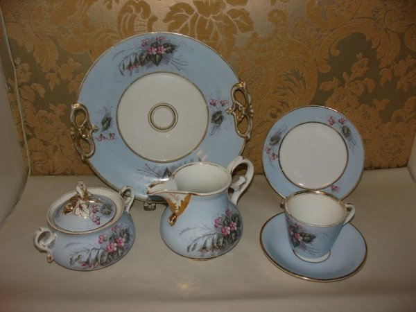 323: PARTIAL GERMAN DESSERT SET: CREAMER, COV'D SUGAR,