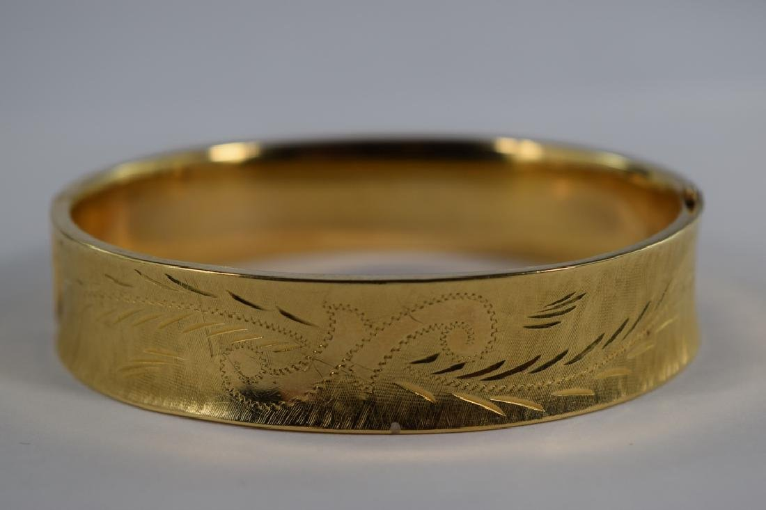 14K GOLD FLORAL DIAMOND CUT BANGLE BRACELET