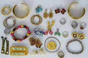 NOT EVERYTHING THAT GLITTERS IS GOLD COSTUME LOT 9