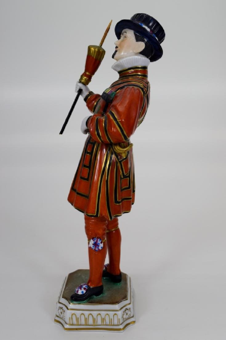 DRESDEN POTSCHAPPEL PORCELAIN YEOMAN OF THE GUARD - 3