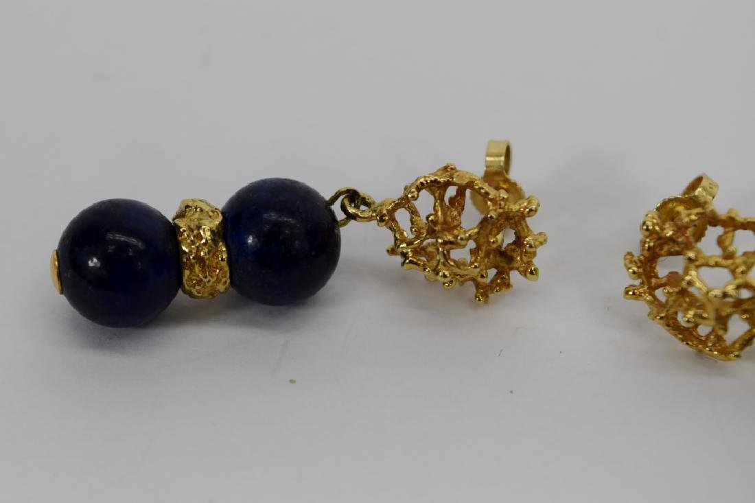 PAIR 14K GOLD LAPIS LAZULI EARRINGS - 9