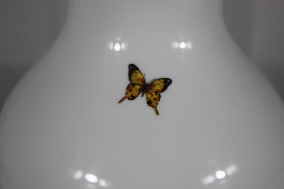 3 PORCELAIN GOLD & WHITE FLORAL BUTTERFLY LAMPS - 8