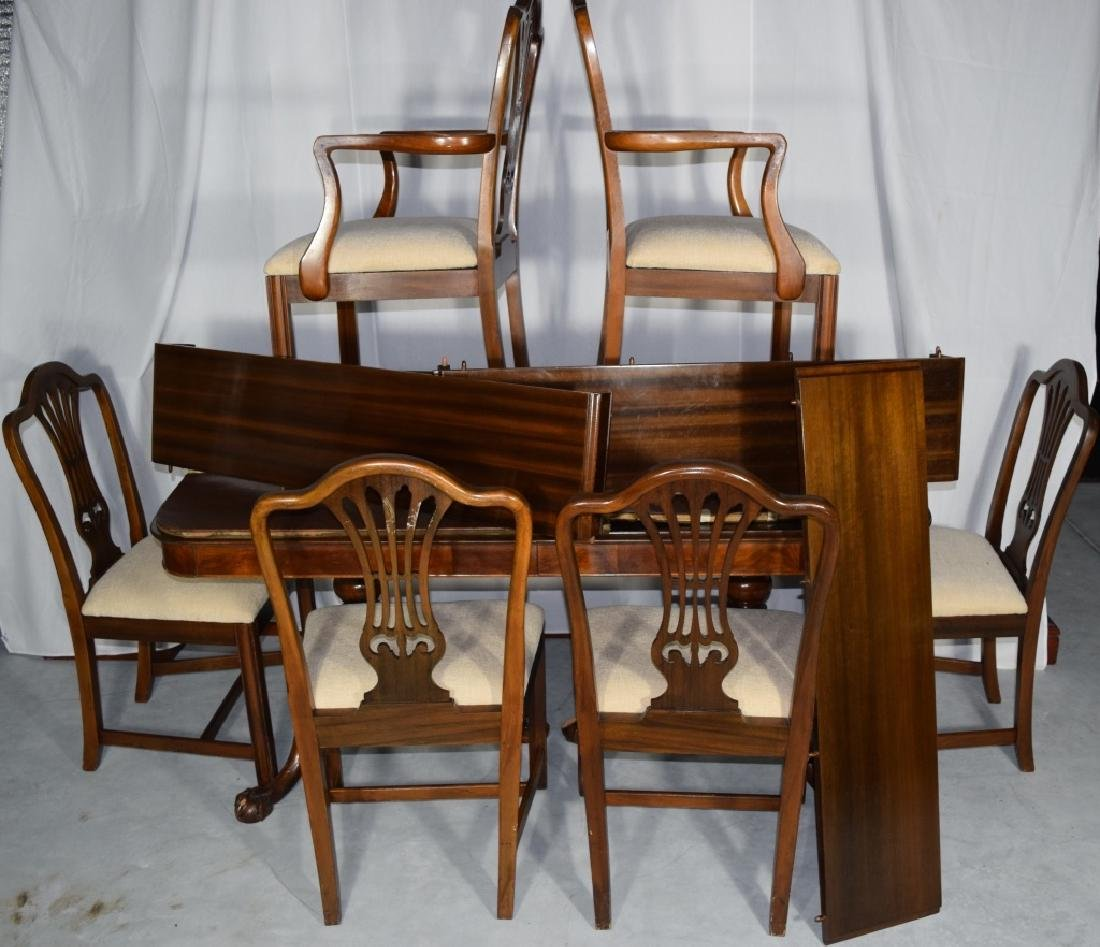BERKEY AND GAY DINING ROOM SET TABLE & CHAIRS