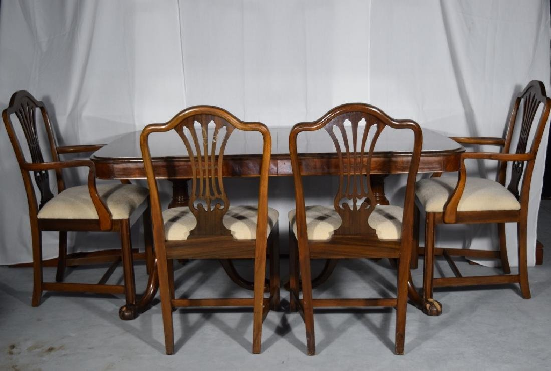 BERKEY AND GAY DINING ROOM SET TABLE & CHAIRS - 3