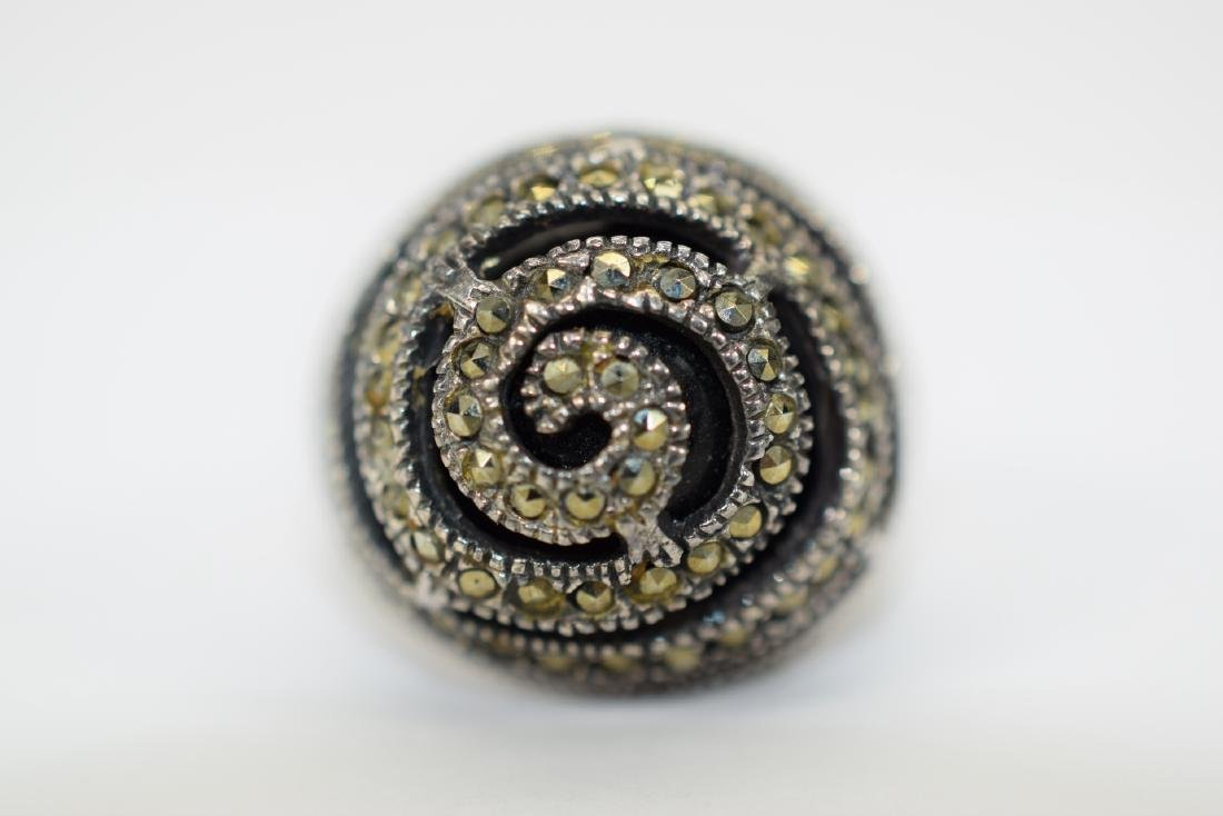 STERLING SILVER & MARCASITE DOME ONYX RING
