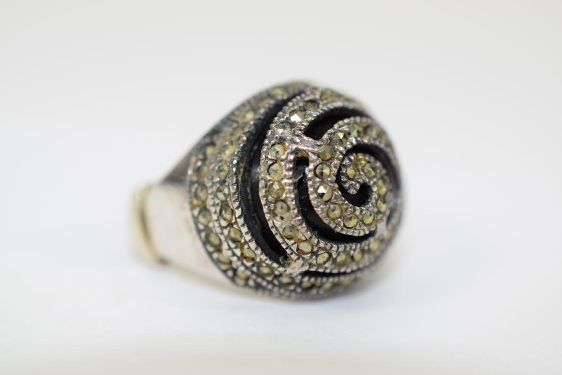 STERLING SILVER & MARCASITE DOME ONYX RING - 2