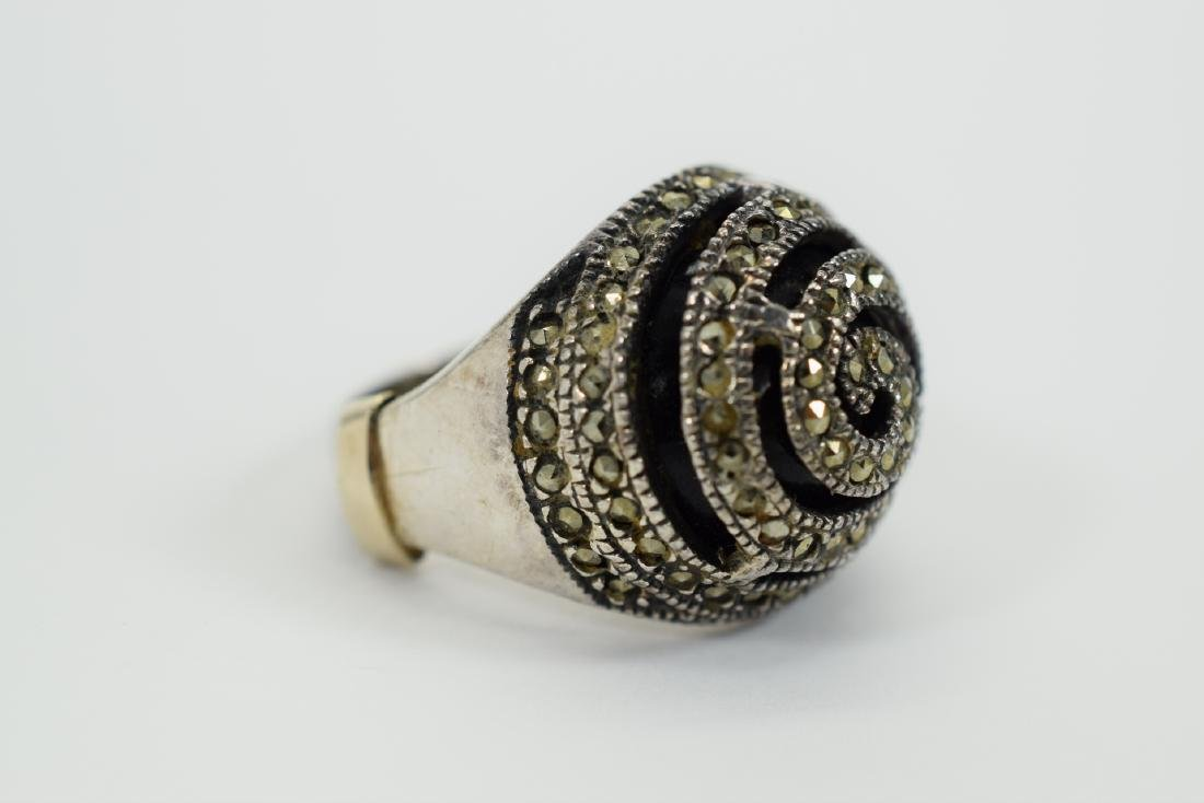 STERLING SILVER & MARCASITE DOME ONYX RING - 3