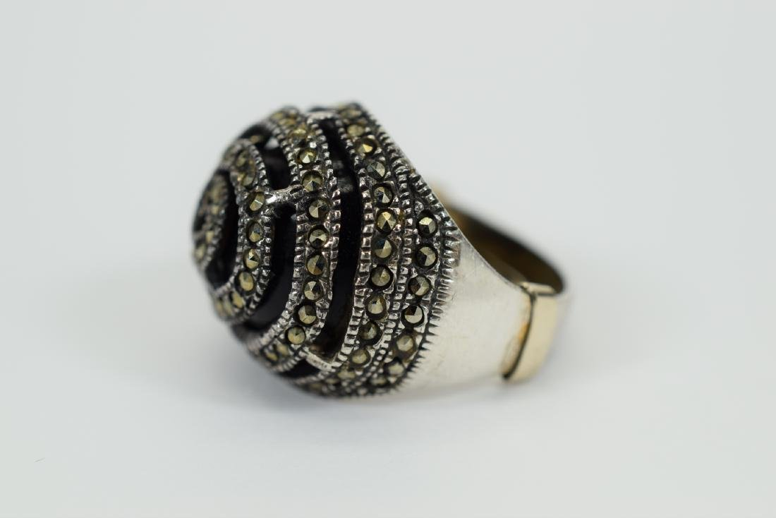 STERLING SILVER & MARCASITE DOME ONYX RING - 6