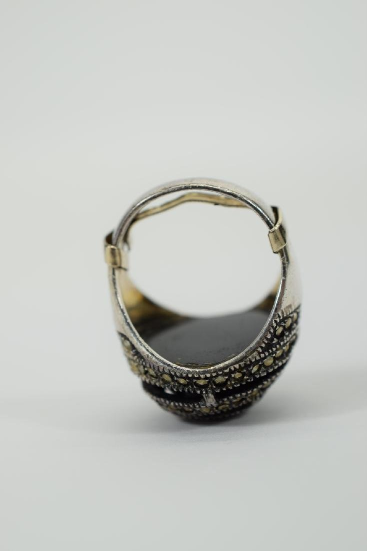 STERLING SILVER & MARCASITE DOME ONYX RING - 8