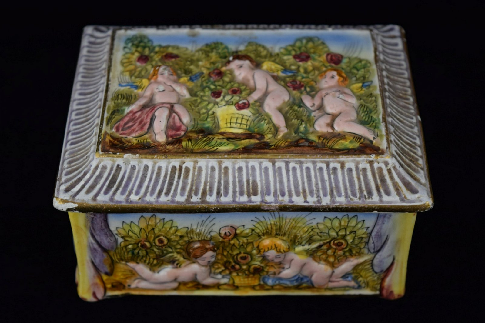 ITALIAN PAINTED PORCELAIN CUPID COVERED BOX