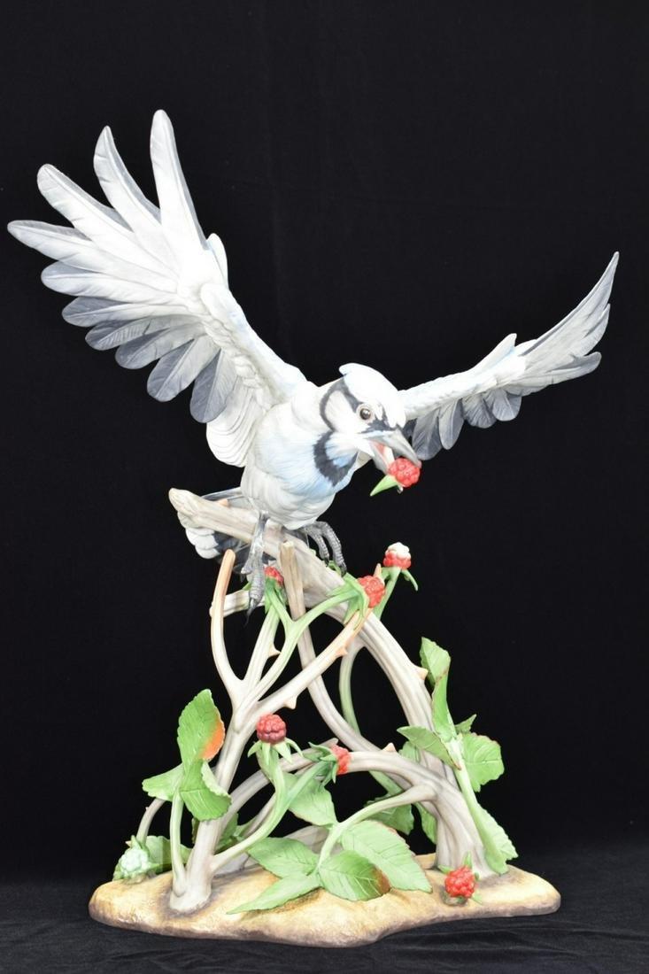 """BOEHM """"BLUE JAY"""" RASPBERRIES PORCELAIN BIRD SCULPT"""