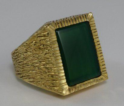 HEAVY 14K GOLD RING w/ GREEN ONYX OR AGATE STONE