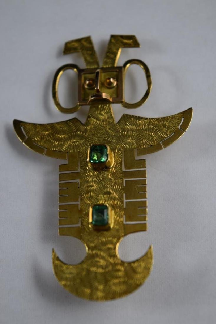 18K GOLD ANTHROPOMORPHIC PECTORAL EMERALD PENDANT - 4