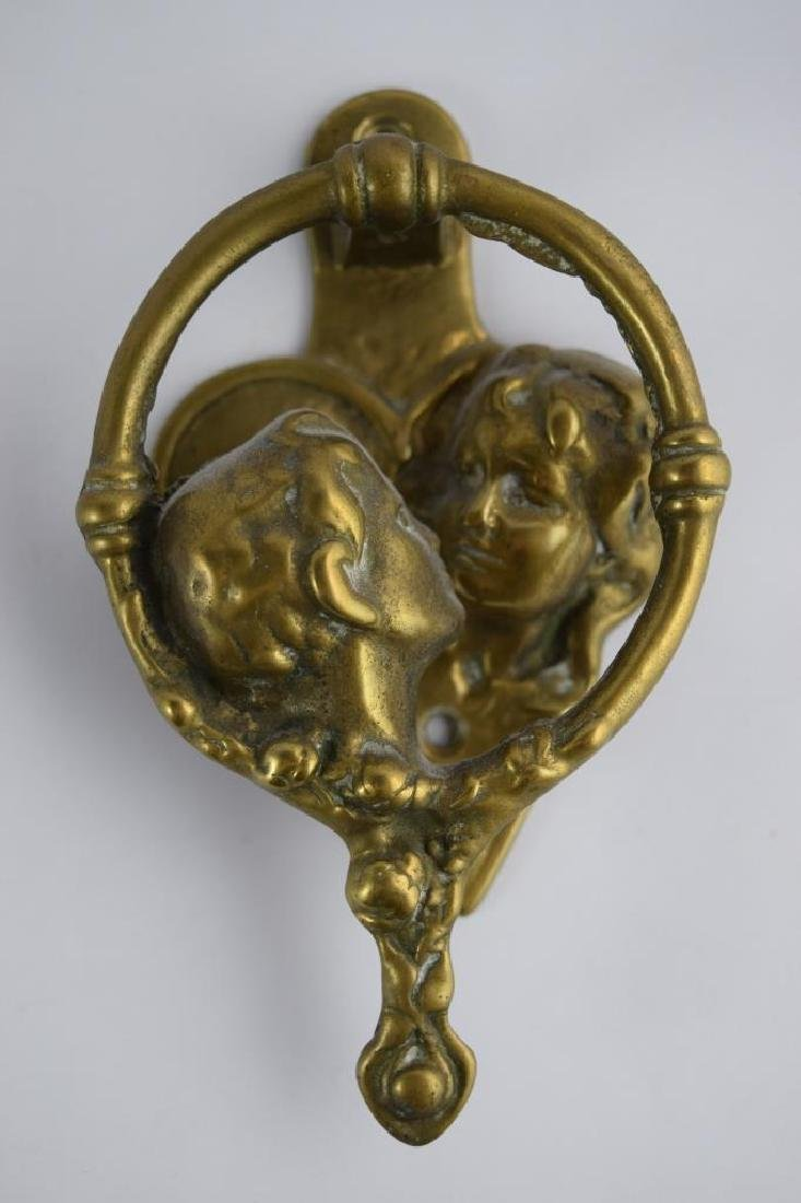 LOVERS KISSING COUPLE BRONZE DOOR KNOCKER