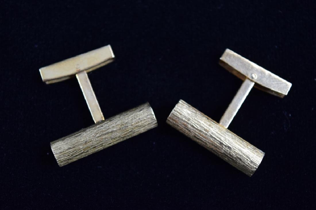 ELEGANT 18K GOLD TEXTURED BAR CUFFLINKS - 5