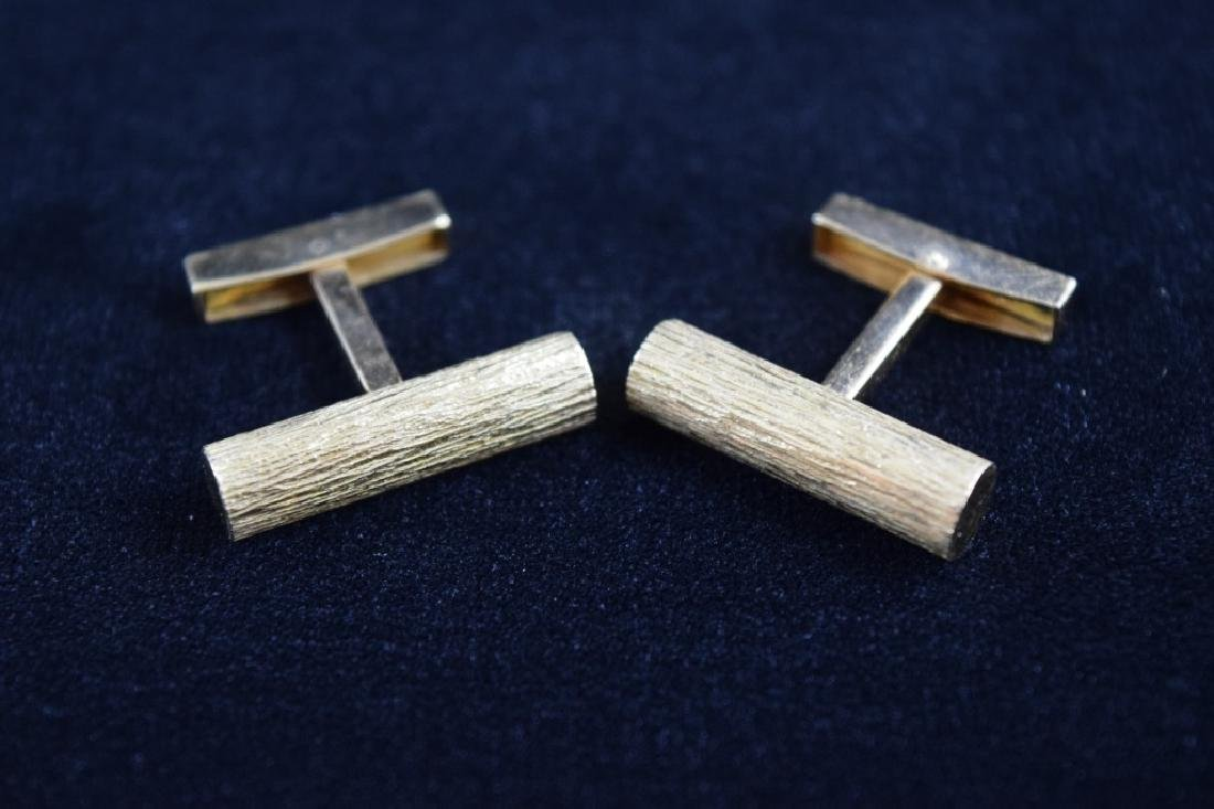 ELEGANT 18K GOLD TEXTURED BAR CUFFLINKS - 6