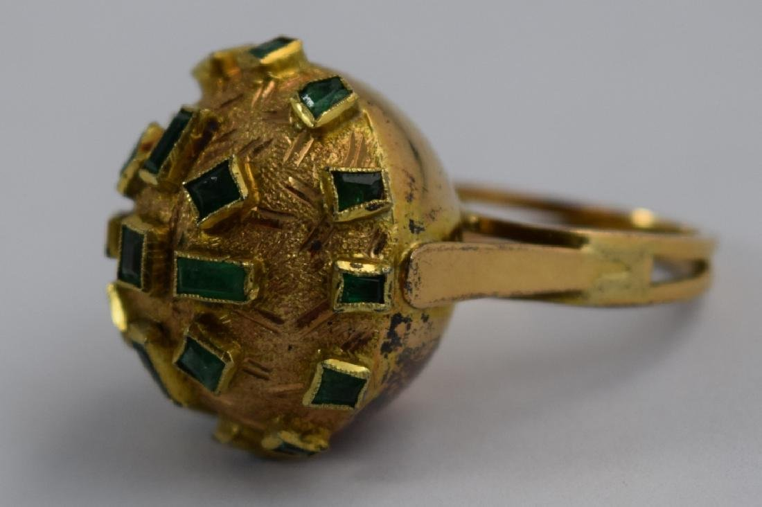 18K GOLD EMERALD BULBOUS EMERALD COCKTAIL RING