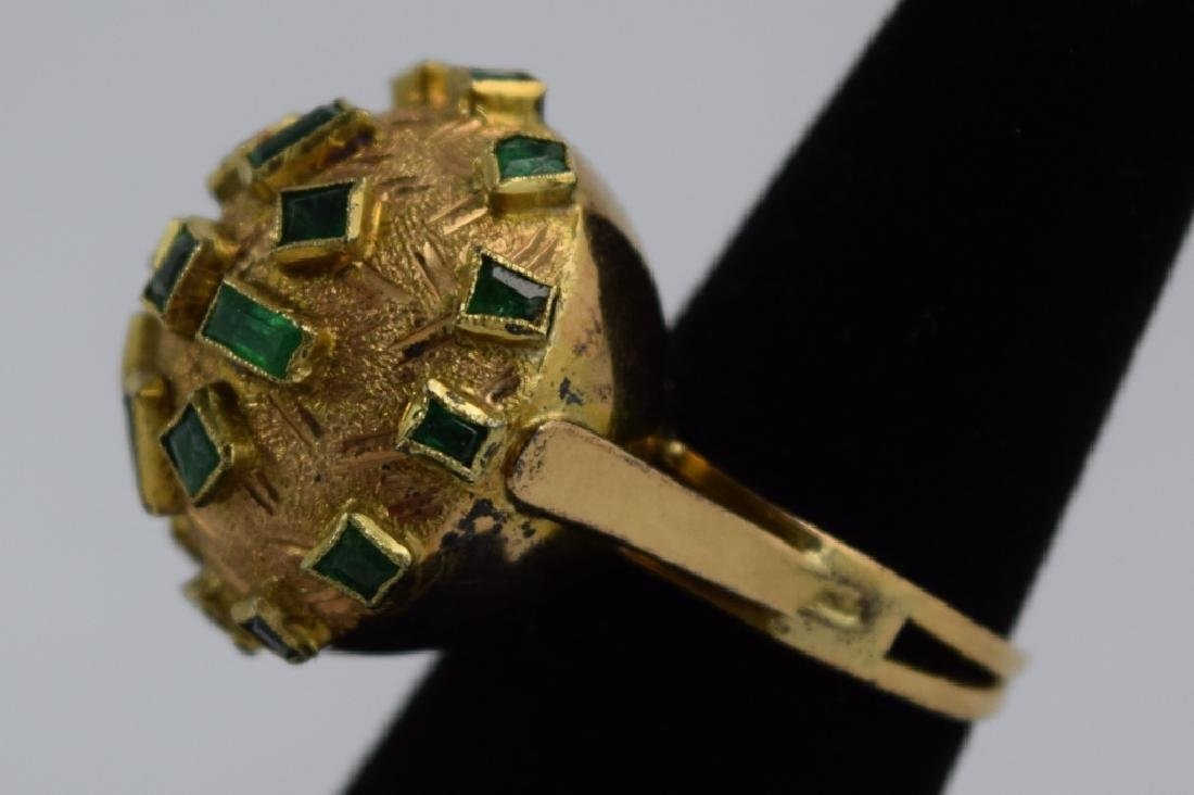 18K GOLD EMERALD BULBOUS EMERALD COCKTAIL RING - 7