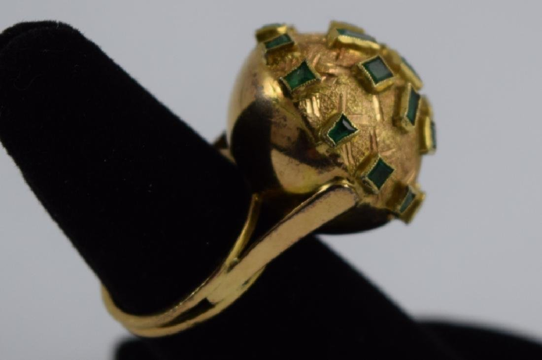 18K GOLD EMERALD BULBOUS EMERALD COCKTAIL RING - 9