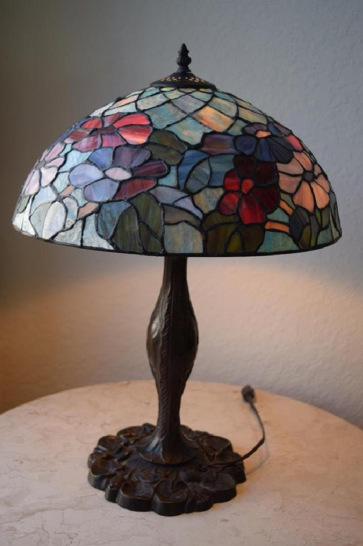TIFFANY STYLE STAINED LEADED GLASS FLORAL LAMP - 2