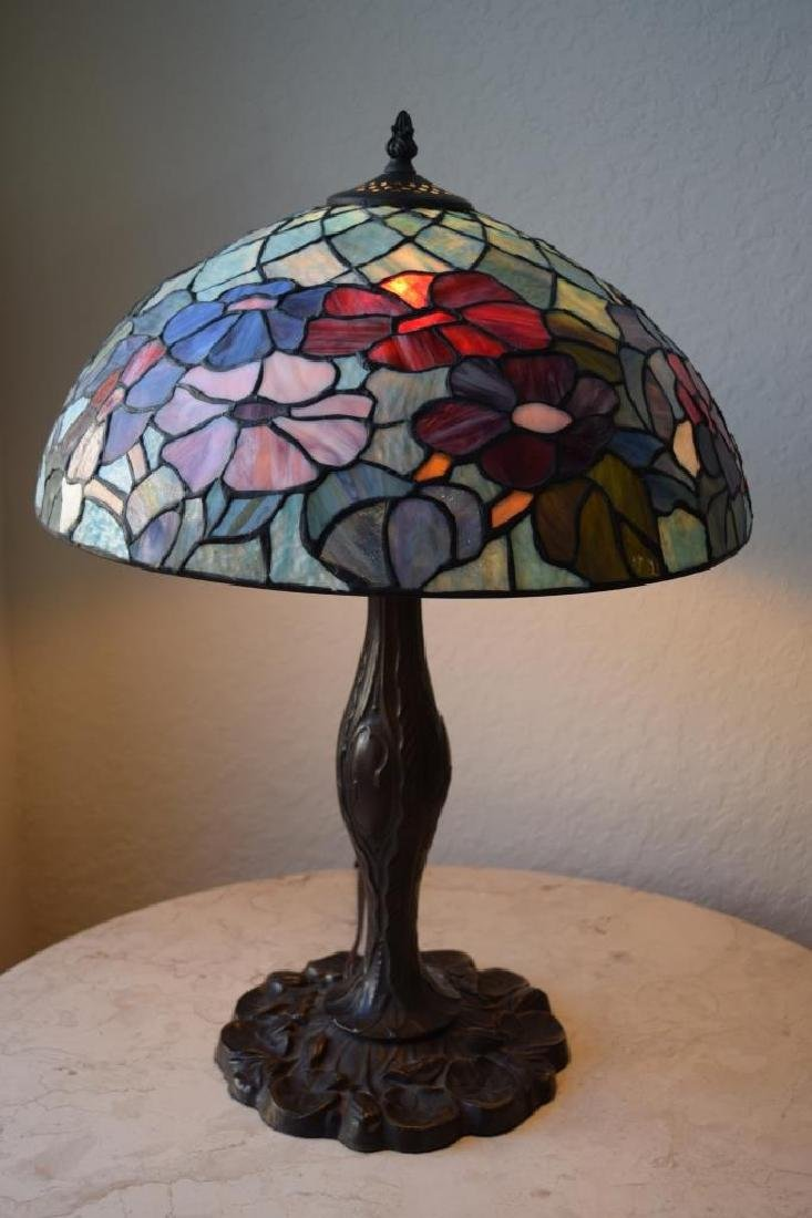 TIFFANY STYLE STAINED LEADED GLASS FLORAL LAMP - 5
