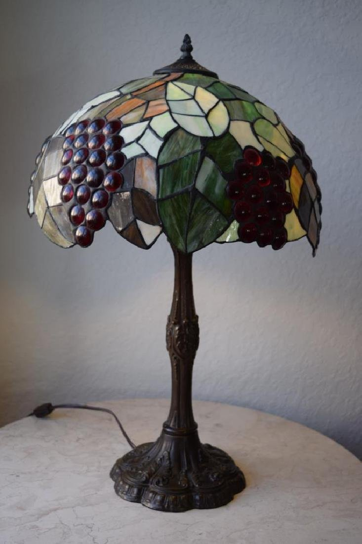 TIFFANY STYLE STAINED LEADED GLASS GRAPES LAMP
