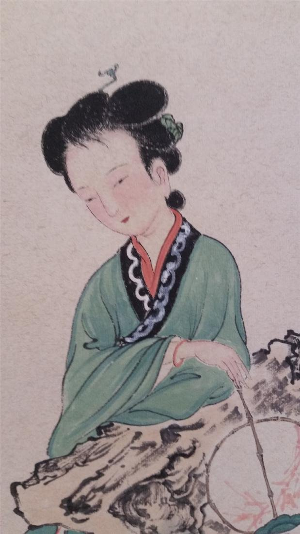 CHINESE SCROLL PAINTING OF A SEATED BEAUTY - 2