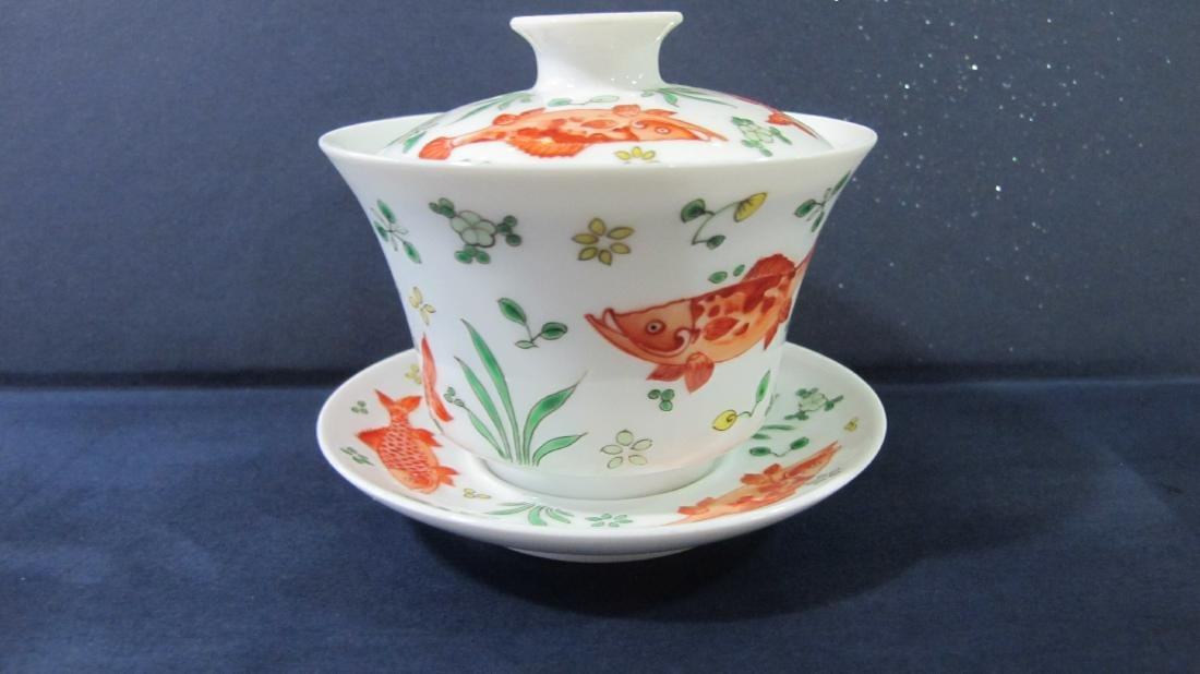 CHINESE PORCELAIN FAMILLE ROSE TEA CUP