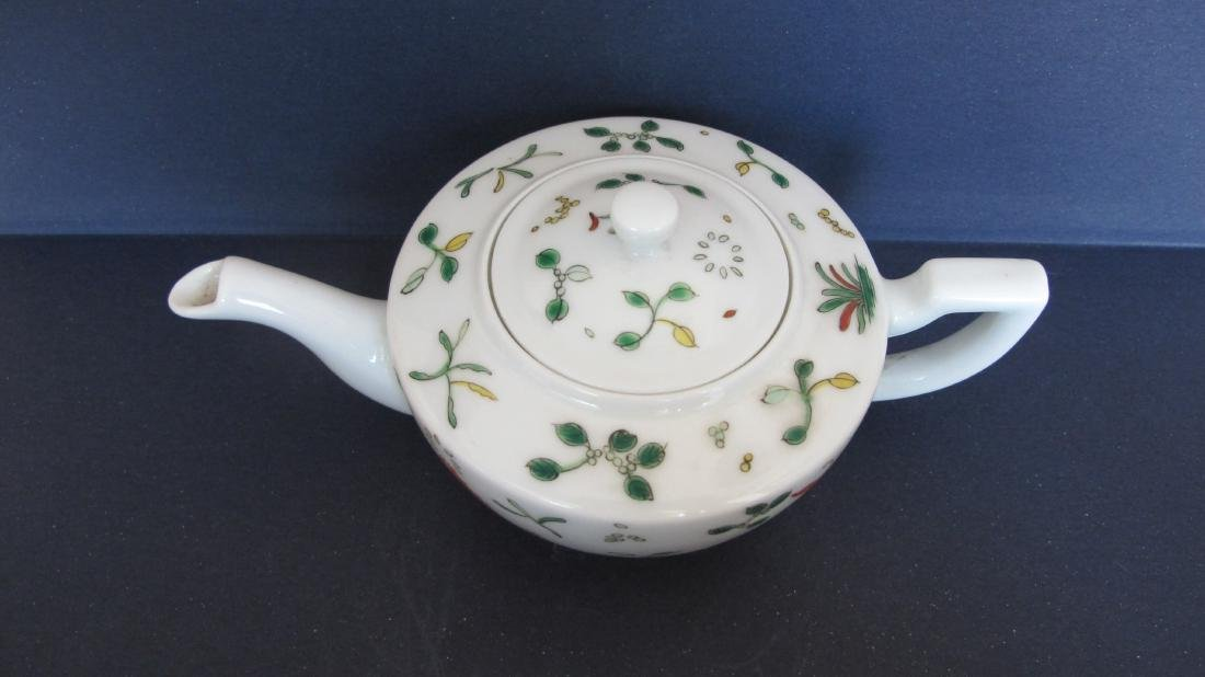 CHINESE PORCELAIN FAMILLE ROSE TEA POT - 2