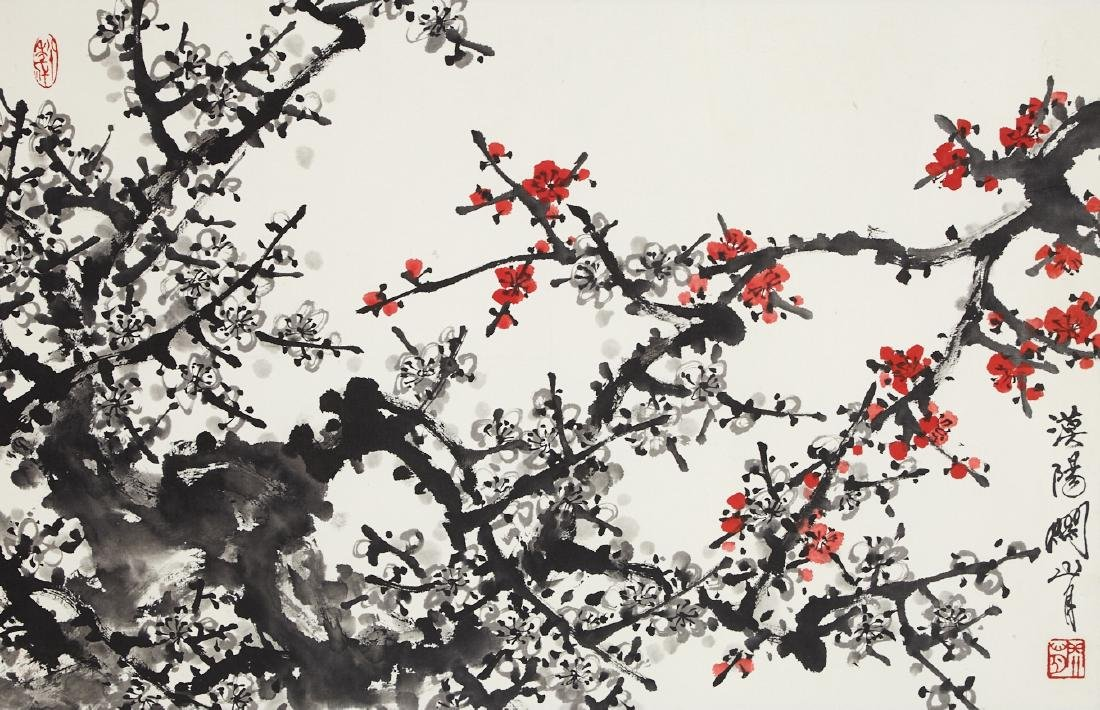 CHINESE SCROLL PAINTING OF PLUM BLOSSOMMING