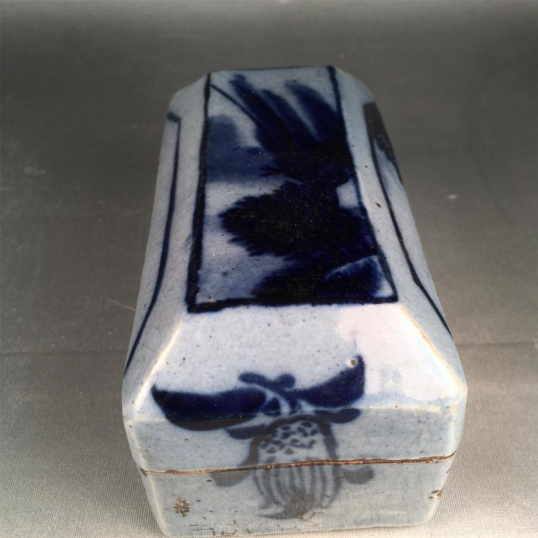 CHINESE PORCELAIN BLUE AND WHITE BOX - 3