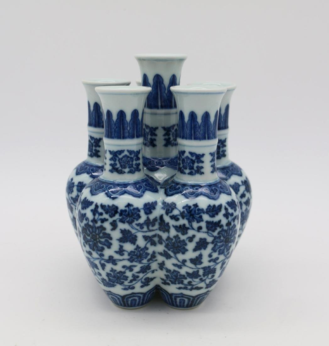 CHINESE PORCELAIN OF BLUE AND WHITE SIX LINKED VASE - 2
