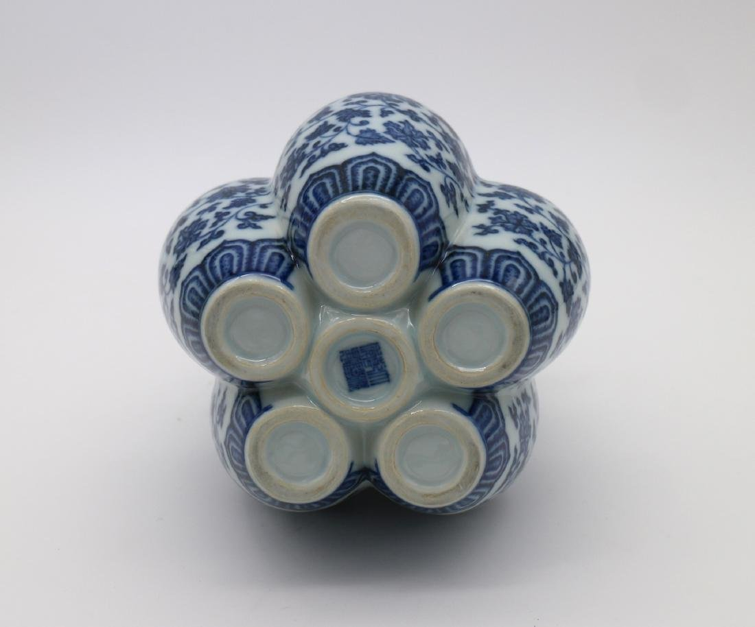 CHINESE PORCELAIN OF BLUE AND WHITE SIX LINKED VASE - 4
