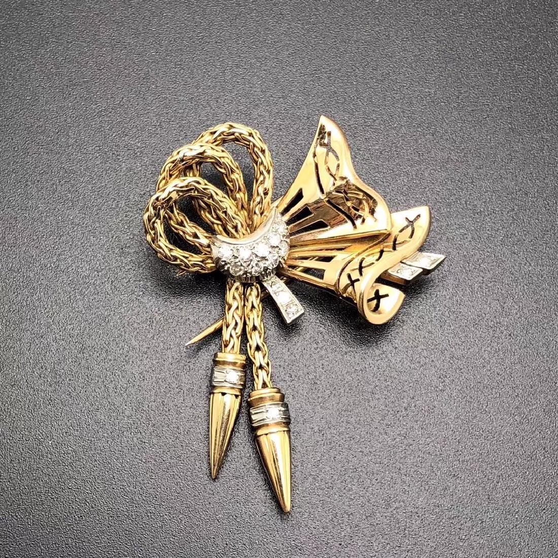 1960S FRENCH 18K GOLD DIAMOND BROOCH