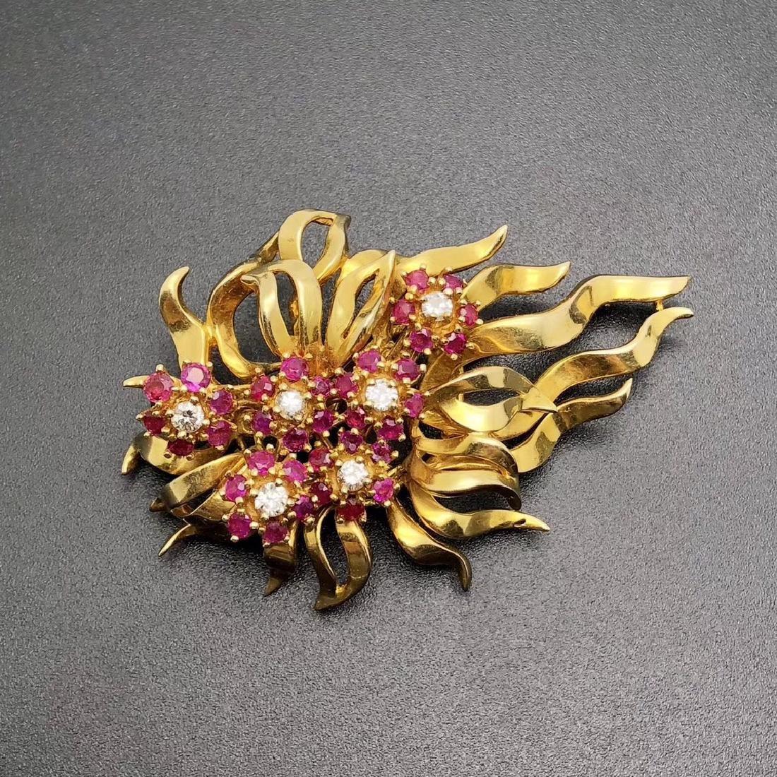 1960S FRENCH 18K GOLD RUBY DIAMOND BROOCH