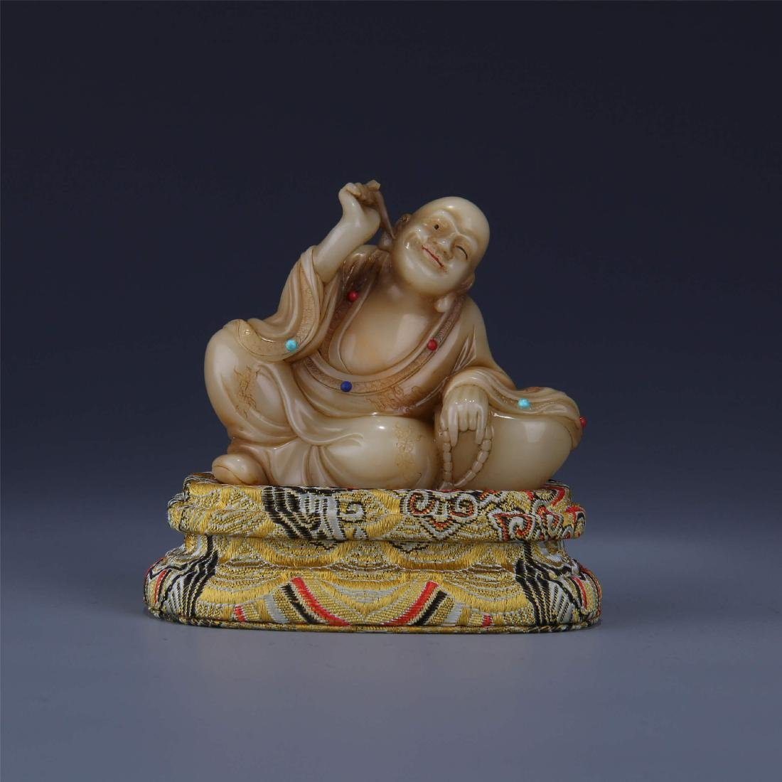 CHINESE SOAPSTONE SEATED BUDDHA