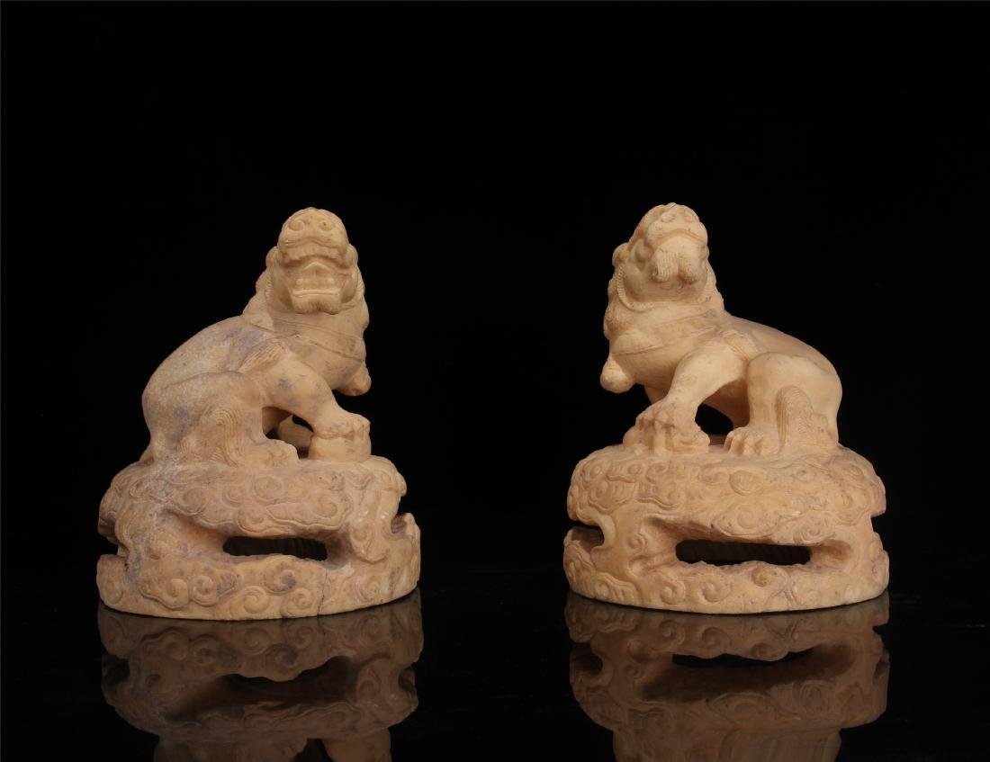 PAIR OF CHINESE MARBLE LIONS PAPER WEIGHT