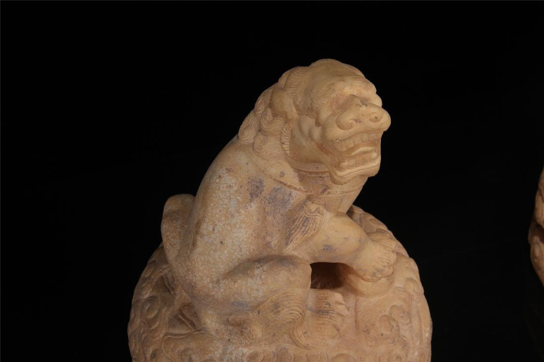 PAIR OF CHINESE MARBLE LIONS PAPER WEIGHT - 3
