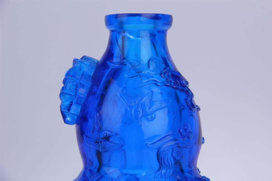 CHINESE BLUE PEKING GLASS CARVED SNUFF BOTTLE - 2